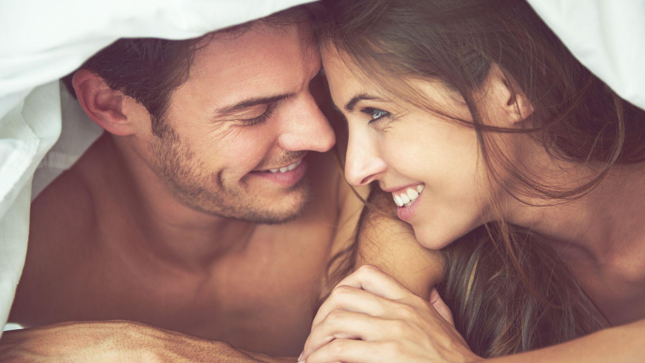 bed-couple-487691402-584c46703df78c491e9730ac